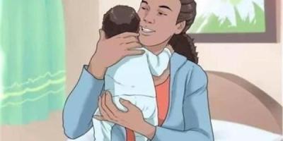 宝宝快三个月了,最近喜欢被竖着抱,怎么回事?