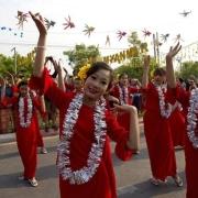缅甸农村女人都在户外洗漱为什么?