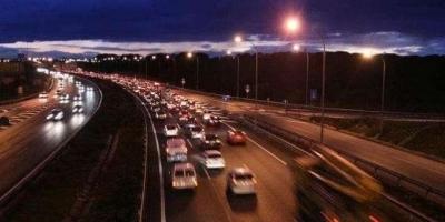 高速路上,能用远光灯吗,为什么?
