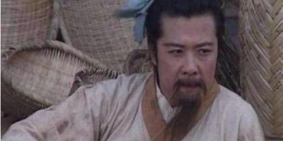 刘备在乡下出生和生活,为什么皇族世谱没有漏下他?