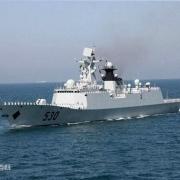 同是054A护卫舰,为什么有两种不同的船舷设计?是什么原因导致的?