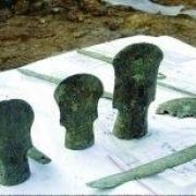 古代武将的兵器有一两百斤,怎么作战?