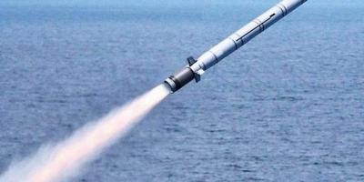 为何有些驱逐舰装备的是鹰击-12,有些则是装备鹰击-18,不能统一型号吗?