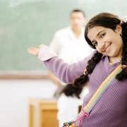说说你所遇到过的极有个性老师的典型事迹?