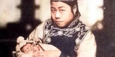 清朝的妃子都是千挑万选出来的,为何留下的照片,个个都很丑?