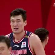 国内有哪些篮球运动员接触篮球晚,但是取得了非常牛的成绩?