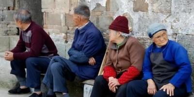 为什么农村老人得了癌症后,大部分子女放弃了对老人的治疗?