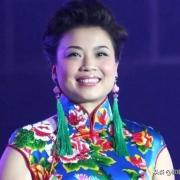 在当代中国的歌唱家中,有谁的歌声最醉人呢?