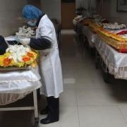 在殡仪馆上班的女人,胆子能有多大?