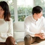 我妹要离婚,我们全家不同意,她是油盐不进了,谁说也不听了。咋弄?