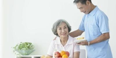 当今社会六十岁的女士找对象,物质追求和精神追求哪个多?
