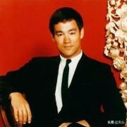 如果李小龙还活着,他的成就会比成龙高吗?