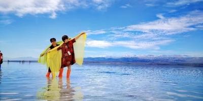 为什么网红拍照很好看,自己在茶卡盐湖却拍不到天空之镜?