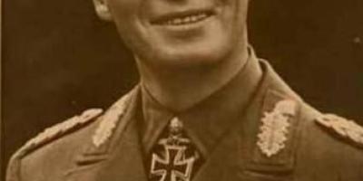 希特勒叫隆美尔服毒自尽,隆美尔为什么不反抗?
