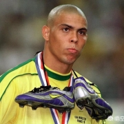 98年世界杯决赛巴西0:3负法国,究竟发生了什么?罗纳尔多真的被下药了么?