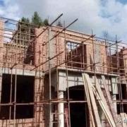 农村自建房中,24的空心墙和18的实心墙,哪一个更稳一点?哪个用砖多一些?