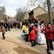 疫情之下的农村红白事,导致村民矛盾频生,到底是办还是不办?