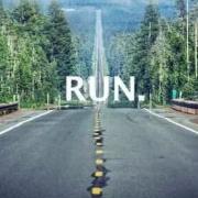 跑步机上跑五公里和外面跑道上跑五公里有什么区别?